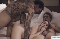 Pustoaicele fac filme erotice asa cum le place lor