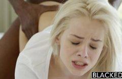 Porno gratis cu o blonda penetrata tare de iubitul ei preferat