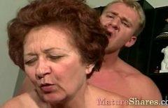 Porno cu o batranica de 62 de ani inca buna de pula