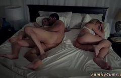 Isi fute amanta cand sotia doarme langa ei